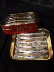 Sardines au chocolat (en boîte)
